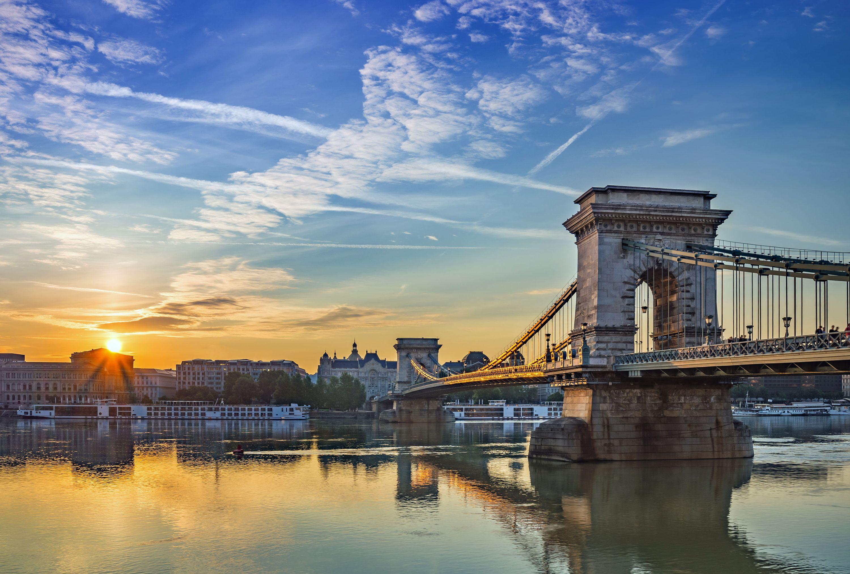 восход солнца в городе будапешт и цепной мост, будапешт, венгрия, лучшие места для посещения в европе