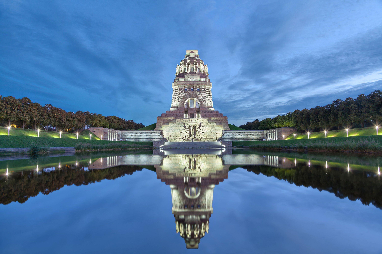 памятник битве народов volkerschlachtdenkmal, построенный в 1913 году к 100-летию битвы, лейпциг, германия, лучшие места для посещения в европе