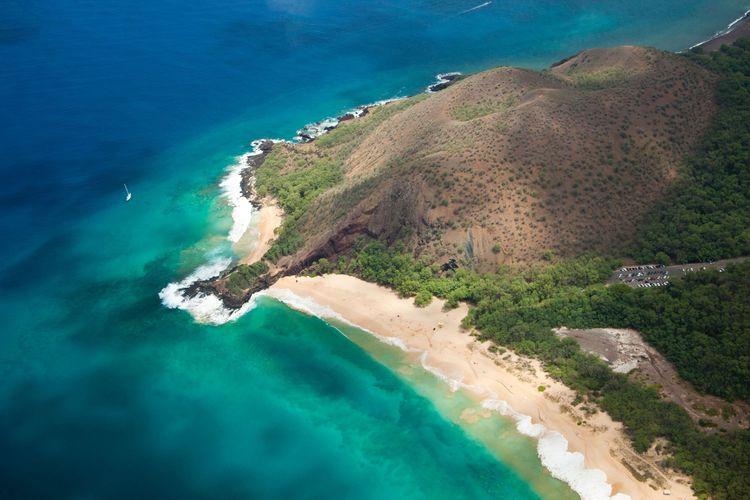 Aerial image of Big Beach, Little Beach and Pu'u O'lai, also known as Oneloa or Makena Beach, Maui, Hawaii.
