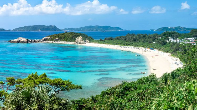 Aharen Beach, Tokashiki island, Kerama Islands group, Okinawa © mapman/Shutterstock