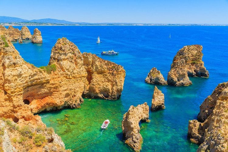 rocks-of-algarve-portugal-faro