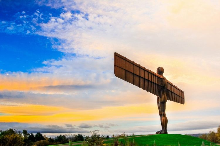 angel-of-the-north-steel-sculpture-newcastle-upon-tyne-uk-shutterstock_612309476