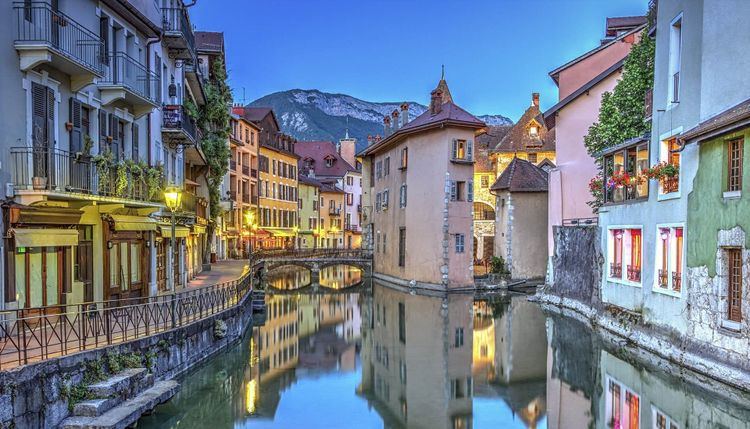 Annecy-France-shutterstock_284833310