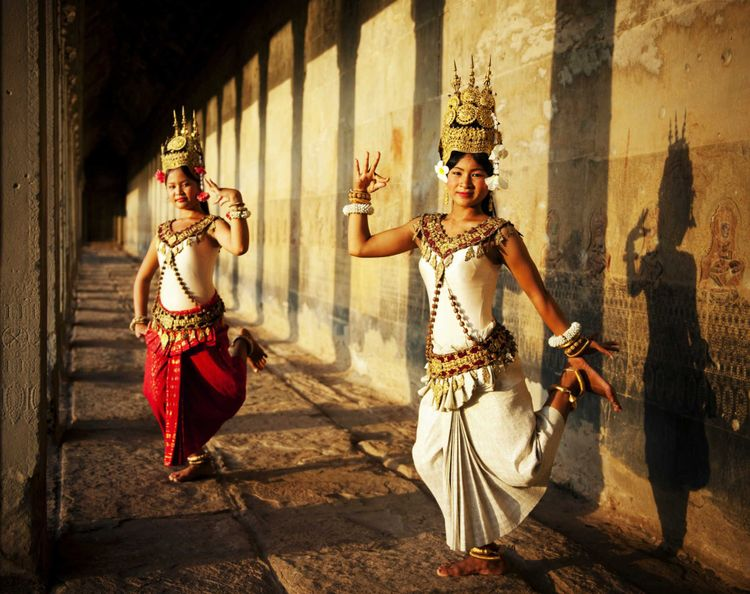 aspara-dancer-angkor-wat-cambodia-shutterstock_339634805