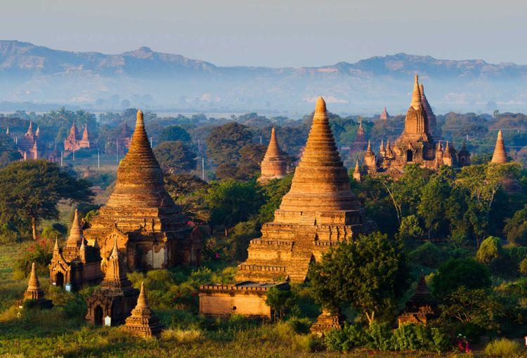 bagan-pagan-mandalay-myanmar-shutterstock_189995696