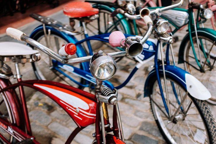 bicycle-cuba-shutterstock_1231789519