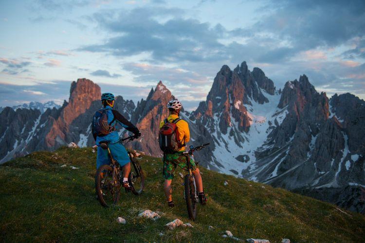 bike dolomites italy beaitiful sunsets