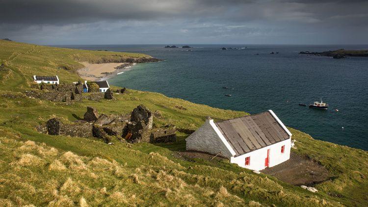 Great Blasket Island landscape, Ireland © HedvikaMichnova.jpg/Shutterstock