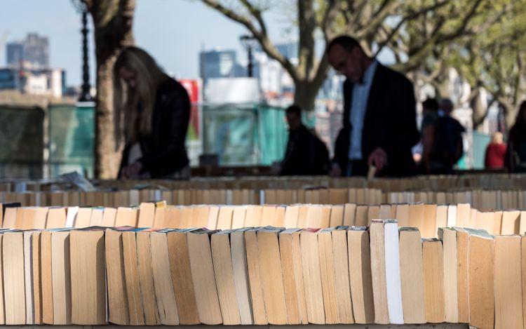 book-market-london-england-shutterstock_760302352
