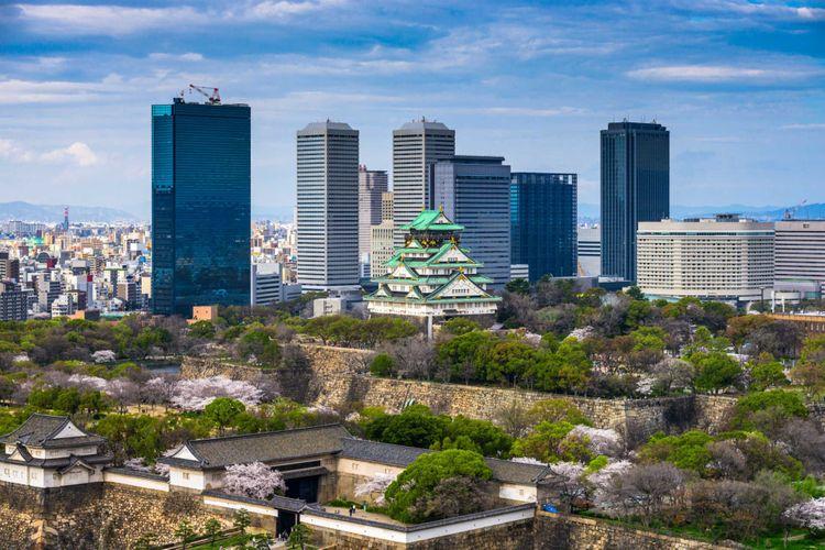 castle-osaka-japan-shutterstock_527729896