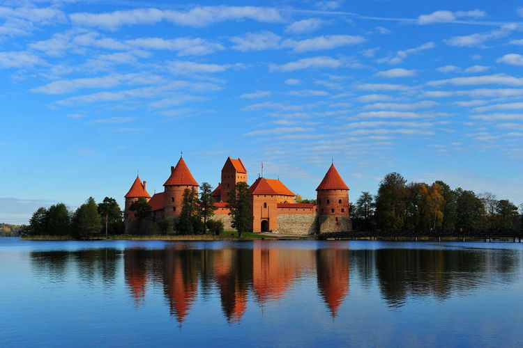 castle-trakai-galve-lake-lithuaniashutterstock_88213897