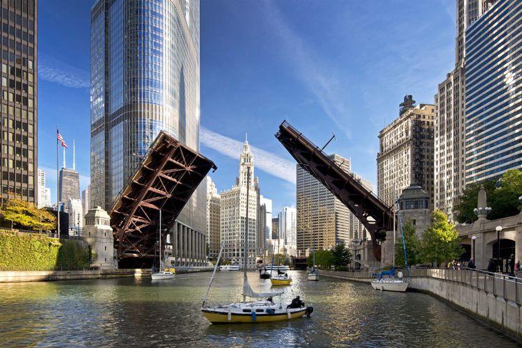 Chicago River © Mark Baldwin/Shutterstock
