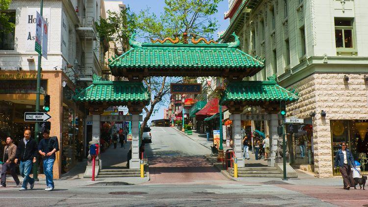 Chinatown in San Francisco © Andrew Zarivny/Shutterstock