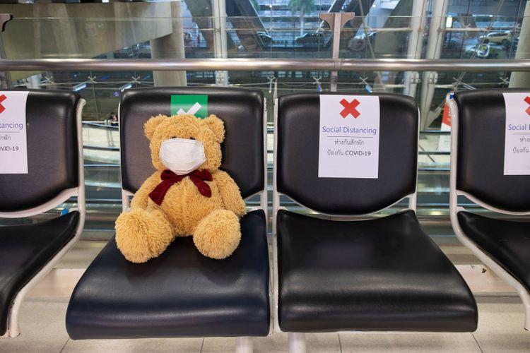 coronavirus-airport-shutterstock_1689041503