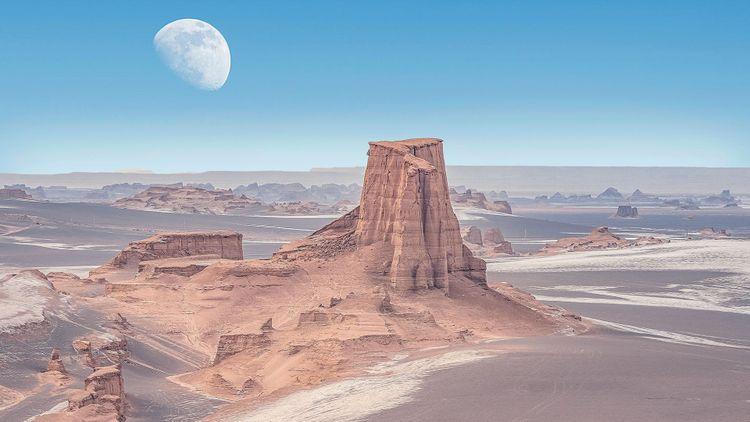 Dasht-e-Lut, Lut desert, hottest desert in the world, also known like Kalut Desert, Iran © leshiy985/Shutterstock