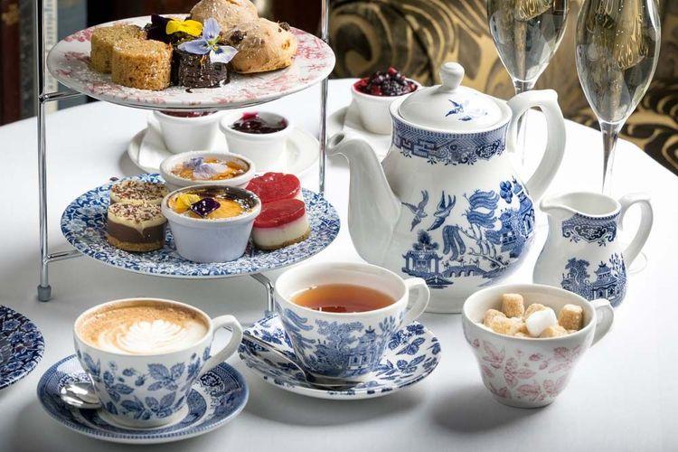 english-tea-shutterstock_538618711