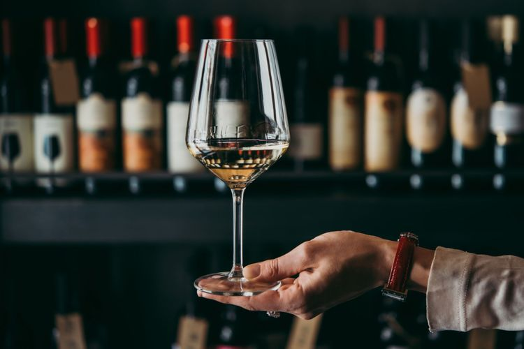 Glass of french wine © Yulia Grigoryeva/Shutterstock