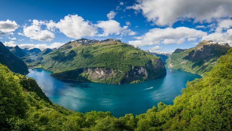geiranger-fjord-norway-shutterstock_548421886