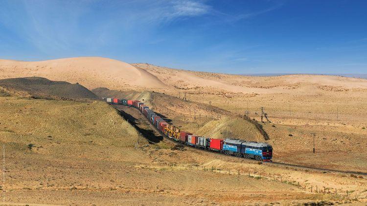 Transmongolian train © Temuulen.B/Shutterstock
