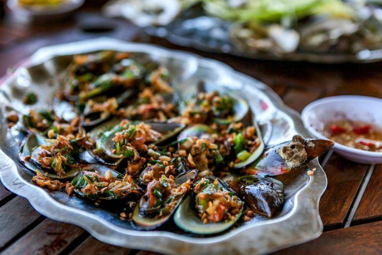 grilled-scallops-da-nang-vietnam-shutterstock_663762280