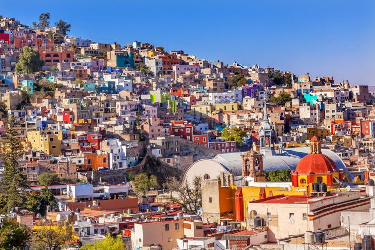 The steep, colourful hills of Guanajuato © Bill Perry / Shutterstock