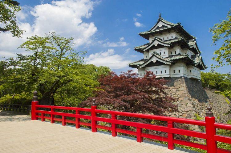 hirosaki-castle-aomori-japan-shutterstock_456759910
