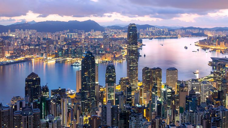 Hong Kong sunrise © leungchopan/Shutterstock