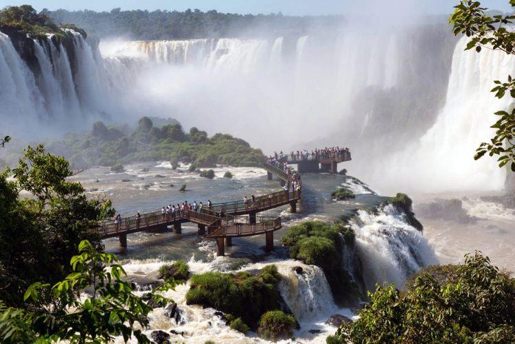 iguazu-brazil-waterfall-shutterstock_456579409