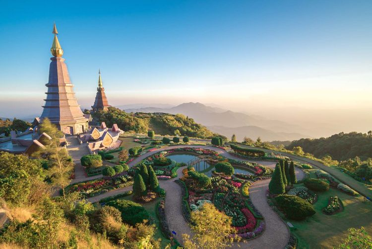inthanon-temple-chiang-mia-shutterstock_378408517