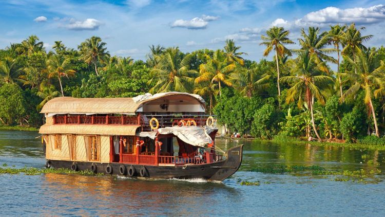 best places to go with kids Kerala backwaters houseboat, India