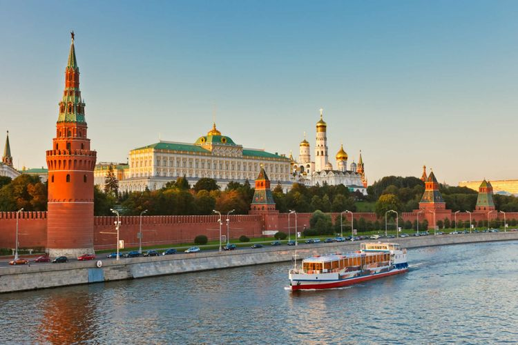 kremlin-moscow-russia-shutterstock_57755908