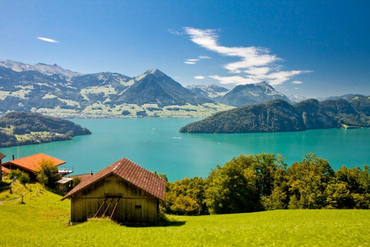 lake-lucerne-mountain-pilatus-alps-switzerland-shutterstock_99967277