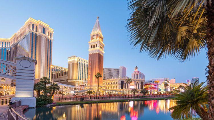 Las Vegas, Nevada, USA cityscape along the strip at twilight © Sean Pavone/Shutterstock