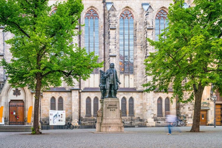 leizig-bach-thomas-church-shutterstock_654759976