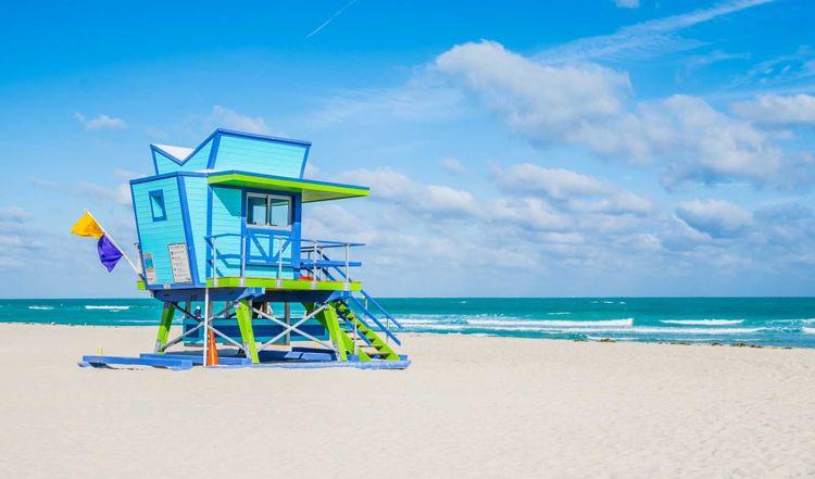 lifeguard-stand-florida-shutterstock_1015201096