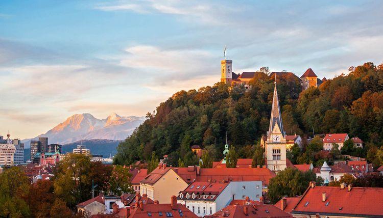 ljubljana-castle-shutterstock_161871029