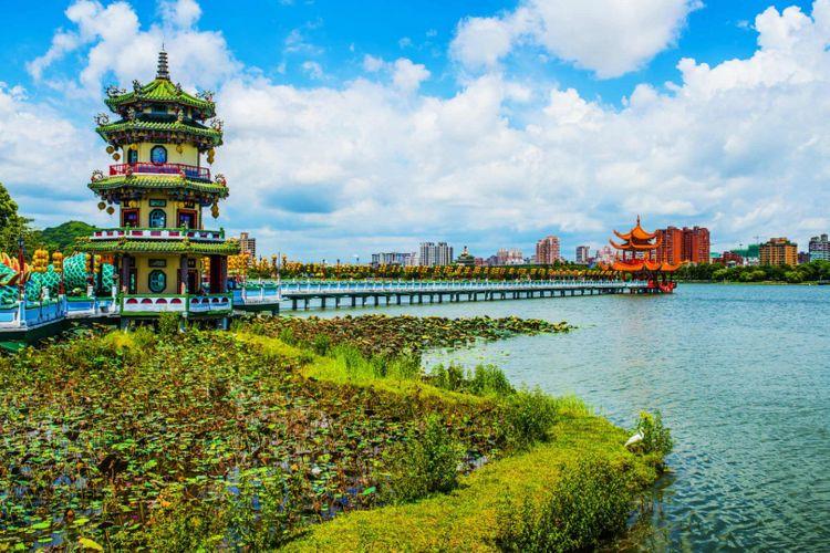 lotus-pond-kaohsiung-taiwan-shutterstock_149929397
