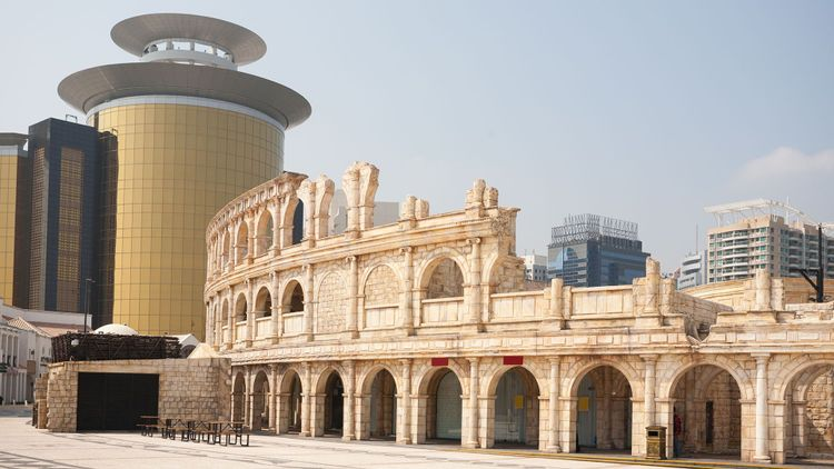 Ancient Roman architectural part of an entertainment complex in Macau Fisherman's Wharf © DoublePHOTO studio/Shutterstock