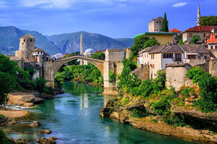 mostar-bosnia-Herzegovina-shutterstock_573424564