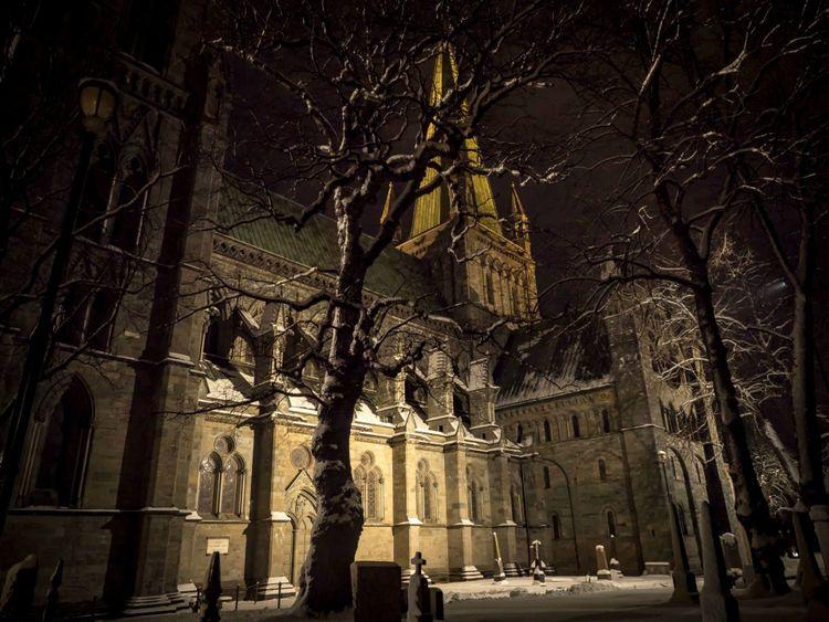 nidaros-cathedral-trondheim-norway-shutterstock_1055836898