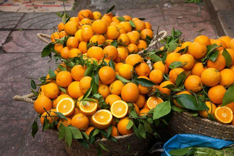 Fresh orange for sale in Morocco © LHamilton/Shutterstock