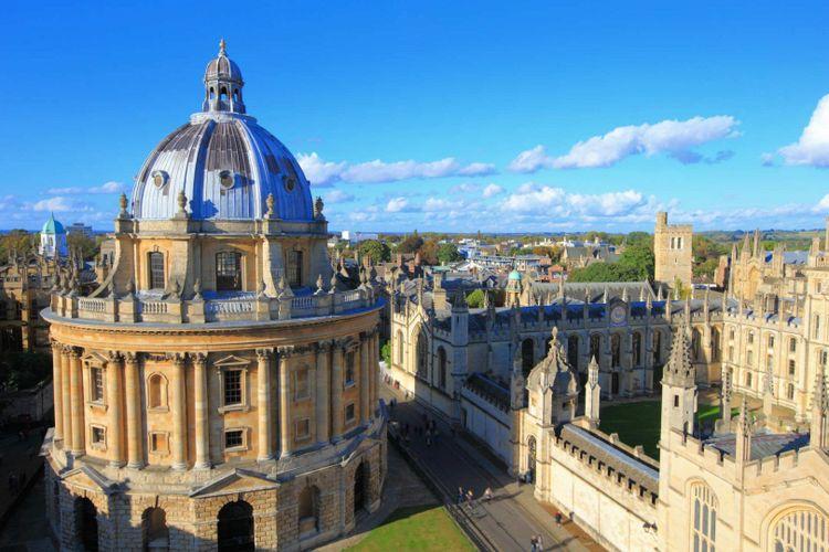 Oxford University City © aslysun/Shutterstock