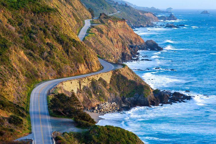 Pacific-Coast-Highway-shutterstock_127554866