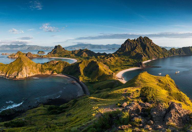 padar-island-indonesia-komodo-shutterstock_1071727808