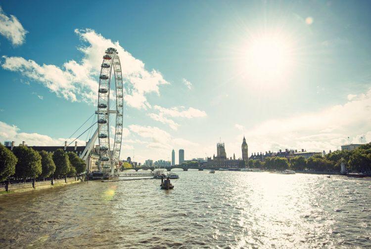 river-thames-london-shutterstock_233988799