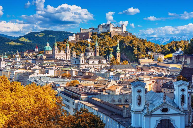 Salzburg skyline with Festung Hohensalzburg herriage © Rasto SK/Shutterstock