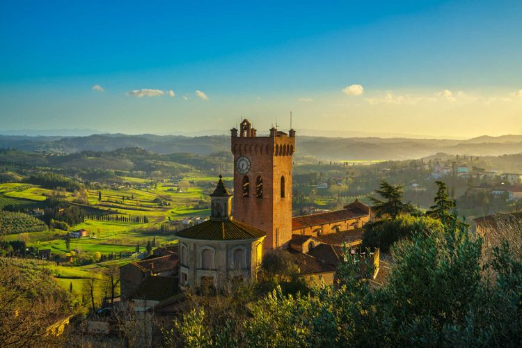 San Miniato town panoramic view, bell tower of the Duomo cathedral and countryside. Pisa, Tuscany Italy © StevanZZ/Shutterstock