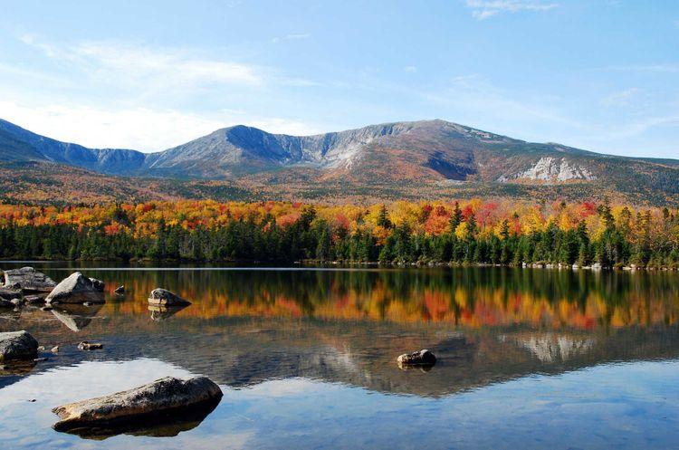 sandy-stream-pond-north-basin-fall-baxter-state-park-usa-shutterstock_11446000