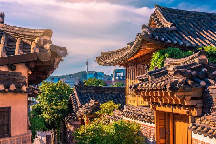 Bukchon Hanok Village, Seul South Korea © nami chwang/Shutterstock