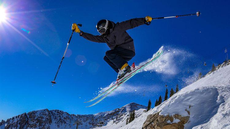 Teenager ski jumping in Alta, Utah © CSNafzger/Shutterstock